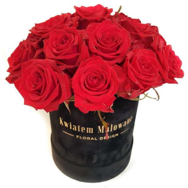 Flower Box Sredni Czarny flokowany z czerwonymi żywymi rozami na bialym tle